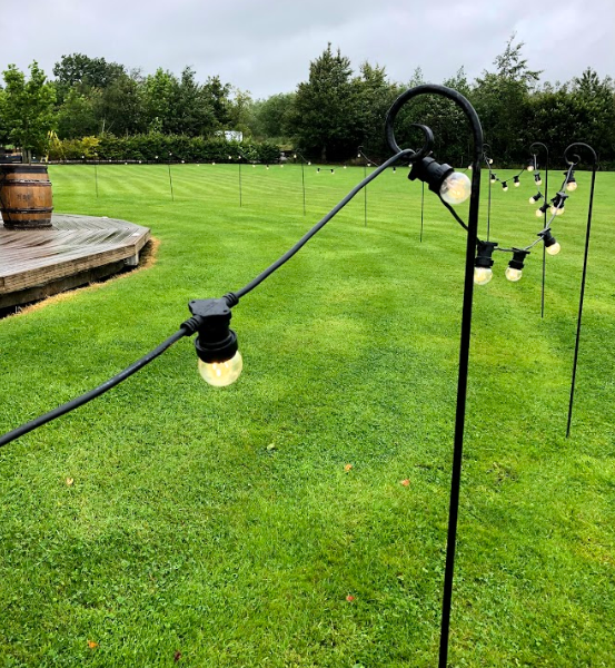 Lighting Outbarn lawn set up